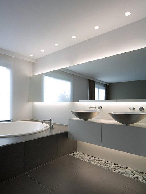 salle de bain avec une baignoire encastr e photos et id es d co de salles de bain. Black Bedroom Furniture Sets. Home Design Ideas