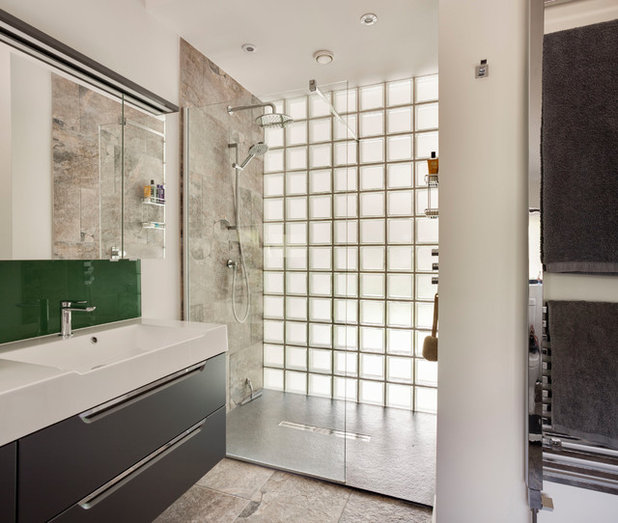 Contemporary Bathroom by Penton Architects