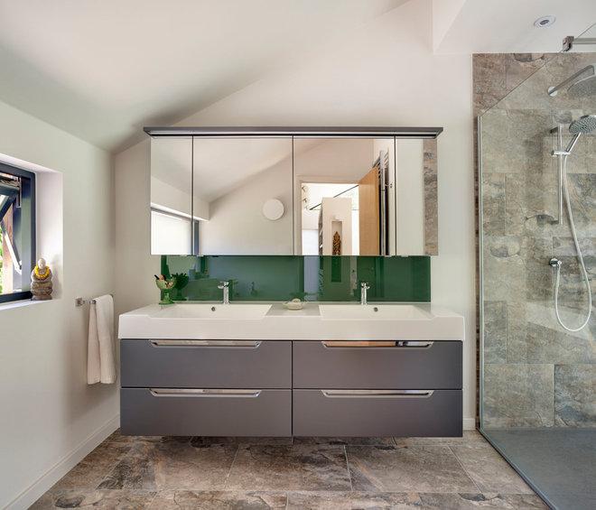 Contemporary Bathroom by Penton Architects