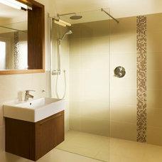 Modern Bathroom by DMVF Architects