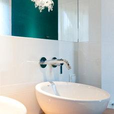 Modern Bathroom by studio A:W