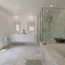 Contemporary Bathroom by BAUFORMAT