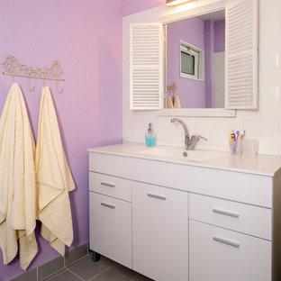 テルアビブのエクレクティックスタイルのおしゃれな浴室の写真