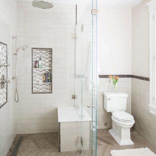 Idéer för funkis badrum, med en kantlös dusch