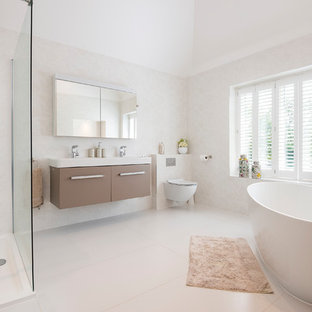 House in the Chilterns Bathroom