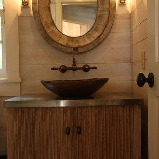 Ispirazione per una piccola stanza da bagno con doccia country con ante in legno scuro, pareti beige, lavabo a bacinella e top in acciaio inossidabile