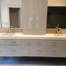 Contemporary Bathroom by d2 interieurs