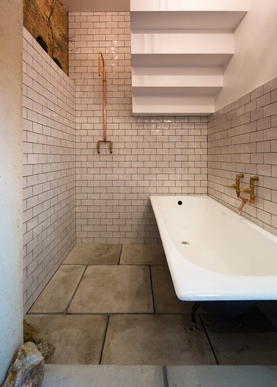 Industrial  Badezimmer by Tsuruta Architects