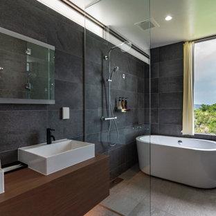 他の地域のコンテンポラリースタイルのおしゃれな浴室の写真