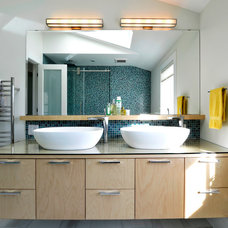 Contemporary Bathroom by Sandy Hill Construction Ltd.