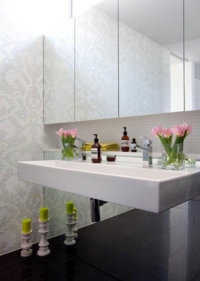 Contemporary Bathroom Houzz Tour: Elsternwick Addition