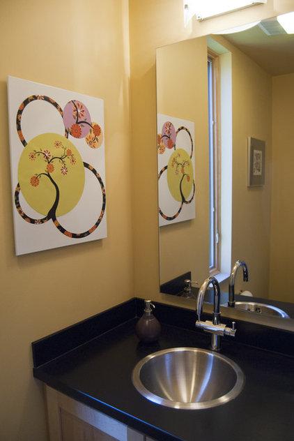 Modern Bathroom by Adrienne DeRosa