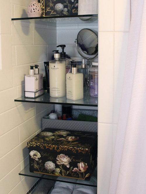 salle de bain avec une baignoire d 39 angle et un carrelage m tro photos et id es d co de salles. Black Bedroom Furniture Sets. Home Design Ideas