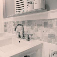 Traditional Bathroom by Design Cube Inc.