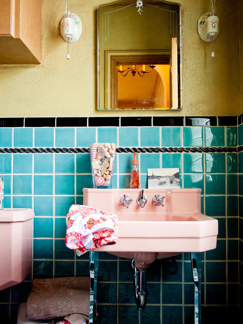 Retro bathroom home design ideas pictures remodel and decor for Retro bathroom designs