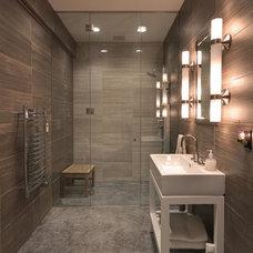 Contemporary Bathroom by Ransom Real Estate LLC