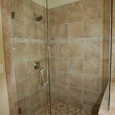 Craftsman Bathroom by Copperleaf Partners LLC / Copperleaf Residential