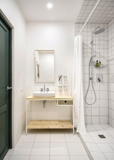 Scandinavian Bathroom by INT2architecture