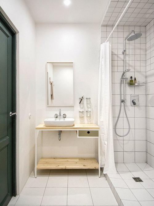 skandinavische badezimmer mit aufsatzwaschbecken design. Black Bedroom Furniture Sets. Home Design Ideas