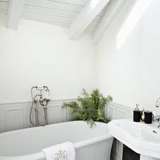 Contemporary Bathroom by Eran Turgeman - Photographer