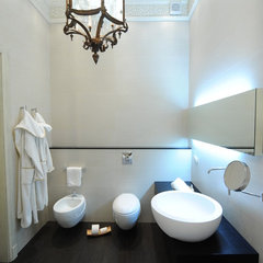contemporary bathroom by Anna Gauck