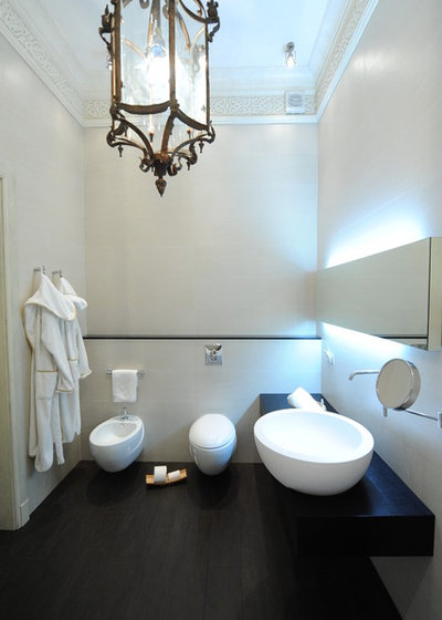 here's looking at loo: showing off your toilet