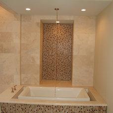 Modern Bathroom by Veranda Homes