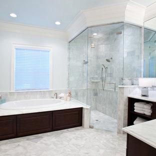 Ispirazione per una stanza da bagno moderna con doccia ad angolo