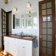 Traditional Bathroom by Gable Building Corp.