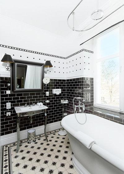 トラディショナル 浴室 by Olga Chertova