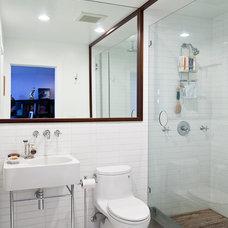 Modern Bathroom by Architect Mason Kirby Inc.
