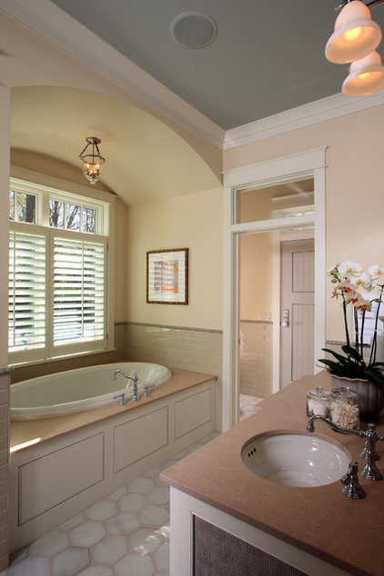 Traditional Bathroom by Visbeen Architects