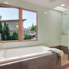 contemporary bathroom by David Neiman Architects