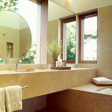 Modern Bathroom by RYAN ASSOCIATES GENERAL CONTRACTORS