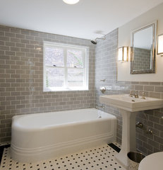 traditional bathroom by Linda Yowell Architects