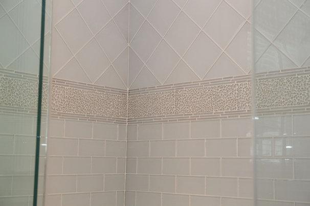 Eclectic Bathroom by Marie Rego Designs LLC AKBD