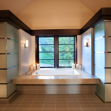 Modern Bathroom by Jacqueline Southby Photography