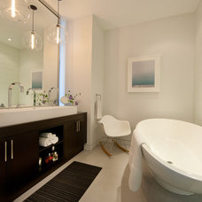 Modern Bathroom by jamesthomas, LLC