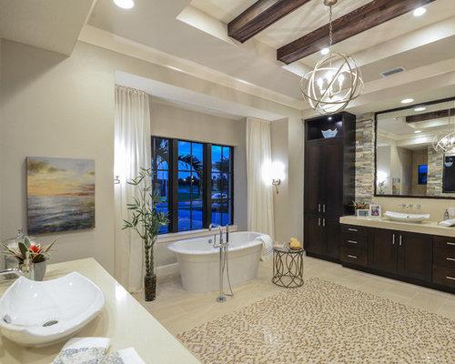 Mediterrane Badezimmer mit Steinplatten Ideen & Beispiele für die ...