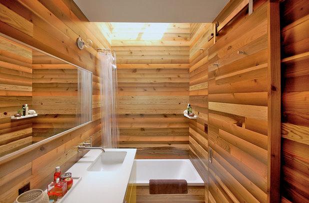 Восточный Ванная комната by Right Arm Construction