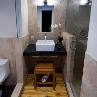 Esempio di una stanza da bagno etnica con lavabo a bacinella