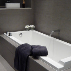 Modern Bathroom by JDL Homes Vancouver