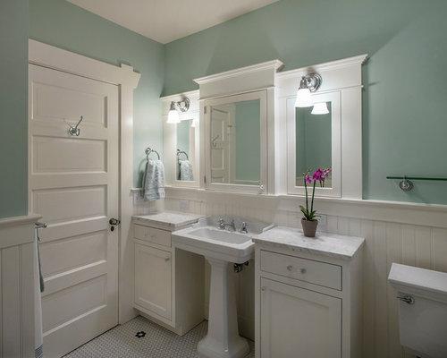 Craftsman bath design ideas pictures remodel decor for Bungalow bathroom designs