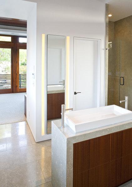 Modern Bathroom by Architects Magnus