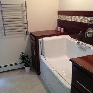 Idee per una grande stanza da bagno padronale contemporanea con ante in stile shaker, ante in legno bruno, top in zinco, piastrelle beige, piastrelle a mosaico, pareti beige e pavimento in gres porcellanato