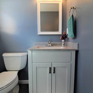 Idee per una stanza da bagno con doccia classica di medie dimensioni con ante lisce, ante bianche, doccia alcova, pavimento in vinile, lavabo sottopiano, top in onice, pavimento grigio, doccia con tenda e top grigio