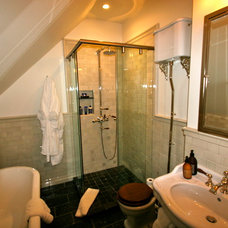 Traditional Bathroom by Anthracite Builders, LLC