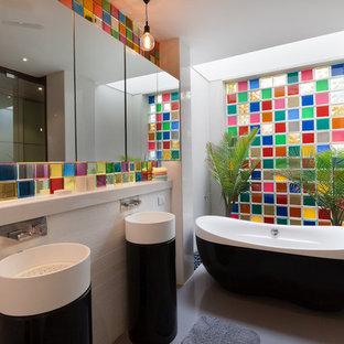 Salle de bain avec une baignoire indépendante Inde : Photos et idées ...