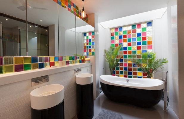 Contemporary Bathroom by Kumar Moorthy & Associates