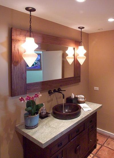 Beautiful Tropical Bathroom by Archipelago Hawaii Luxury Home Designs